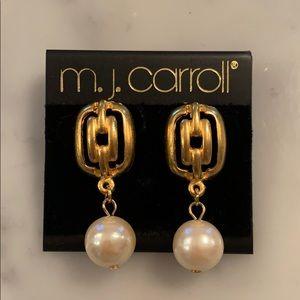 unworn MJ Carroll matt gold faux pearl earrings